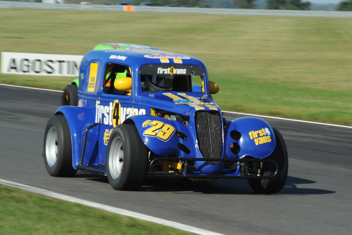 Legends Racing Rockingham